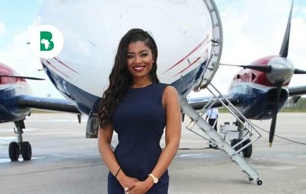 SHERREXCIA 'REXY' ROLLE, 29 ans, dirige une compagnie aérienne privée d'une valeur de 90 millions de dollars