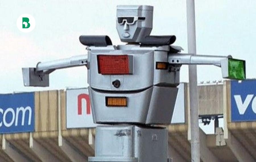 «Robots Roulage» Les robots agents de la circulation de Kinshasa inventé par Thérèse Kirongonzi