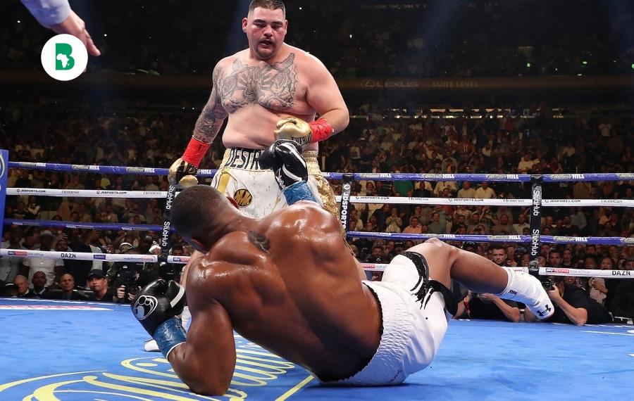 Andy Ruiz Jr. bat Anthony Joshua et devient le premier champion du monde poids lourd du Mexique