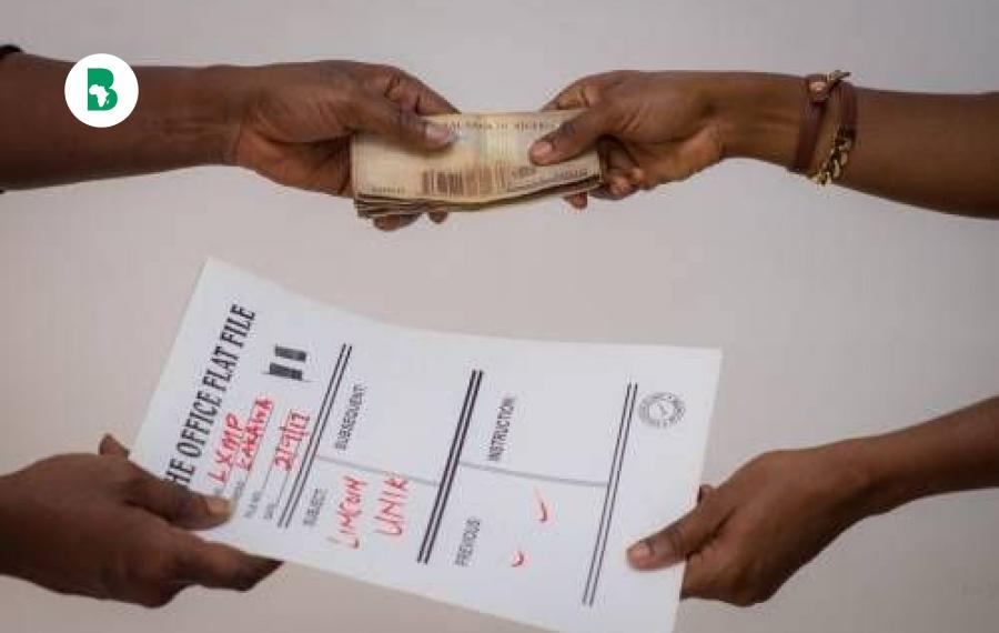 Une personne sur quatre en Afrique verse des pots-de-vin pour avoir accès aux services courants