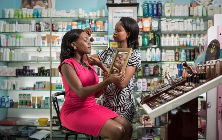Comment devenir millionnaire en investissant dans les produits de beauté en Afrique