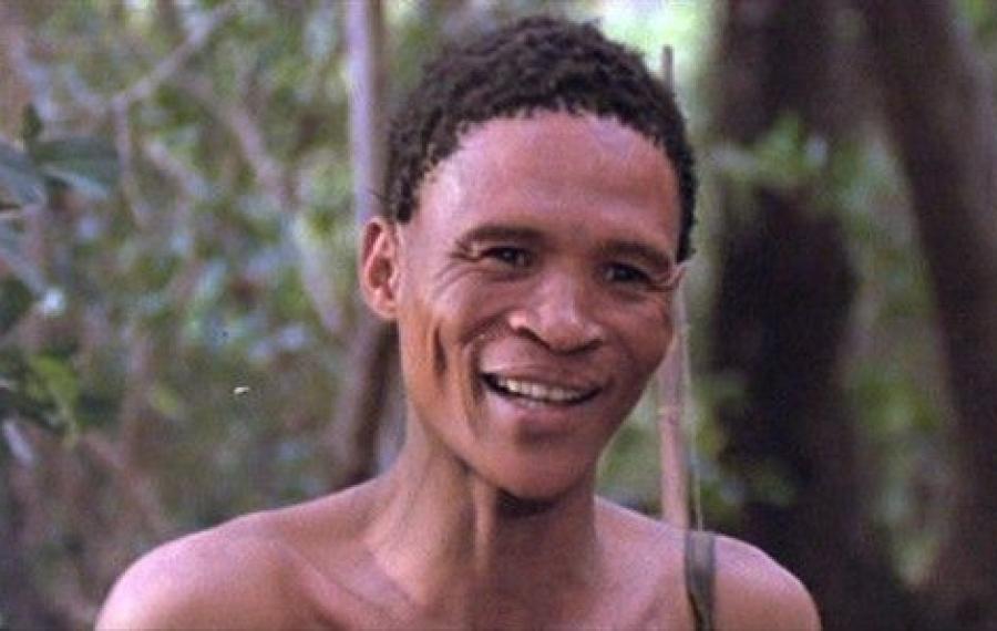 """Cet acteur namibien a contribué à collecté près de 60 millions de dollars pour le film de 1980 """"The Gods Must Be Cr"""