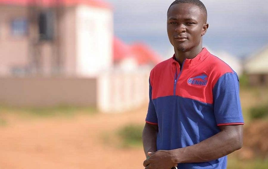 Ce jeune homme de 25 ans a fabriqué les premières voitures de sport en fibre de carbone du Nigeria