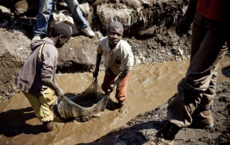 Apple, Google et Microsoft font face à un procès pour travail des enfants en RD Congo
