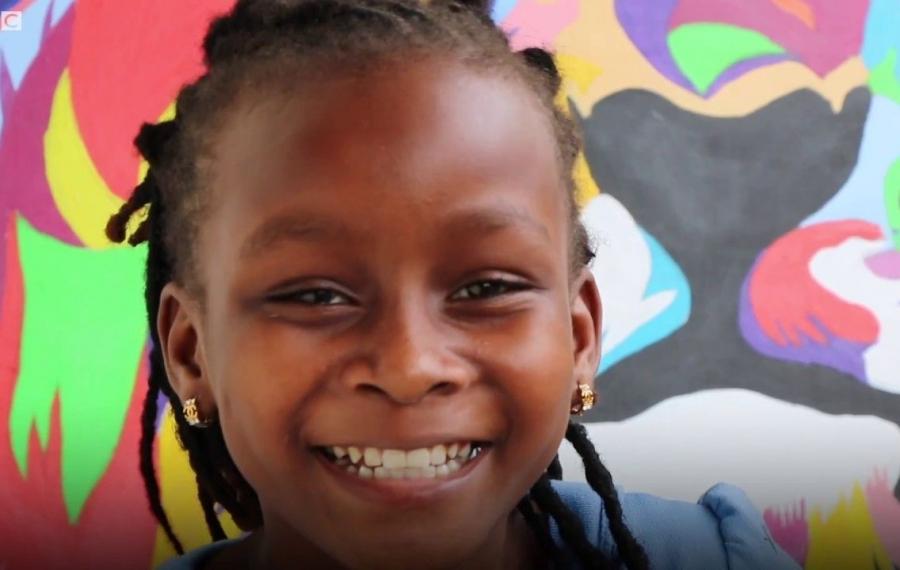 À 10 ans, ce génie de l'art kenyan a été recruté pour enseigner un cours de peinture aux États-Unis