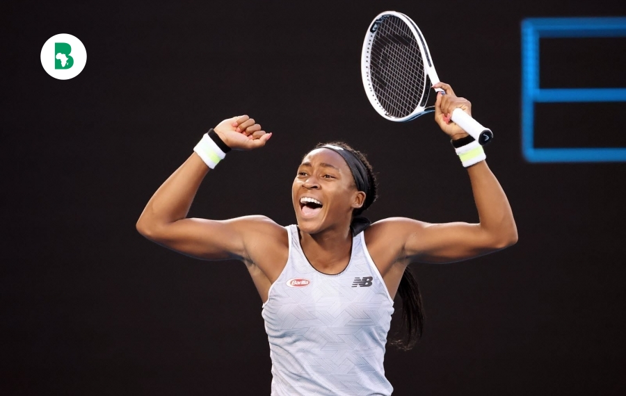 Coco Gauff 15 ans, surprend la championne Naomi Osaka à l'Open d'Australie