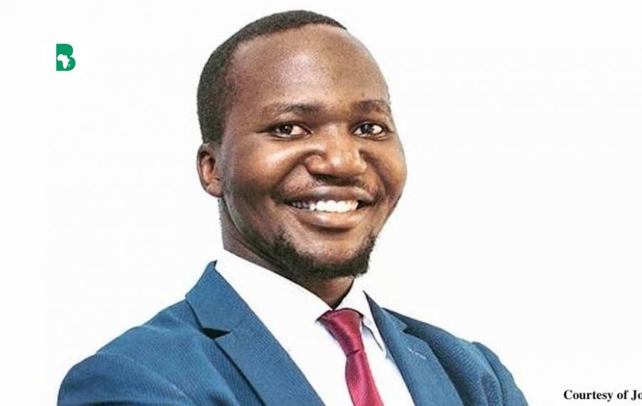 Un Ougandais Jordan Kinyera s'instruit pendant 18 ans et devient avocat pour reconquérir la terre de son père, il y