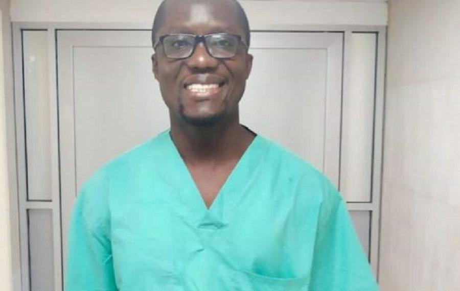 Un exemple à suivre, rencontrez le seul neurochirurgien du Libéria, Alvin Nah-Doe