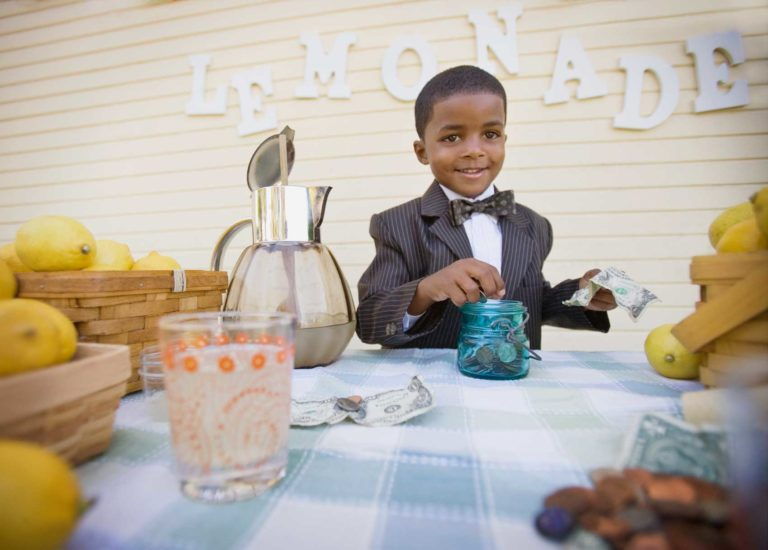 Apprendre l'entrepreneuriat à vos enfants en 10 étapes - TRIVMPH