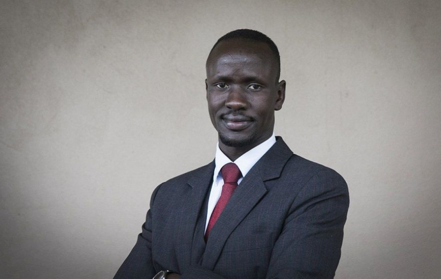 D'enfant soldat à avocat, Deng Adut originaire du Soudan du Sud fait la différence en Australie
