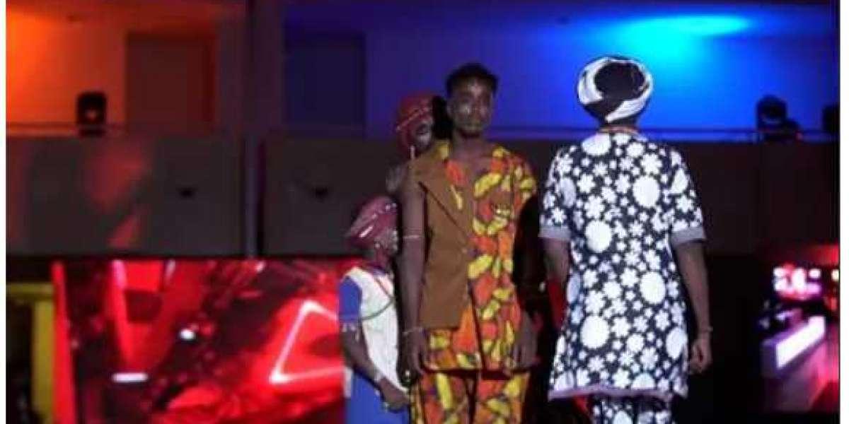 Le Soudan organise ses premiers défilés de mode unisexes après Bashir Ouster