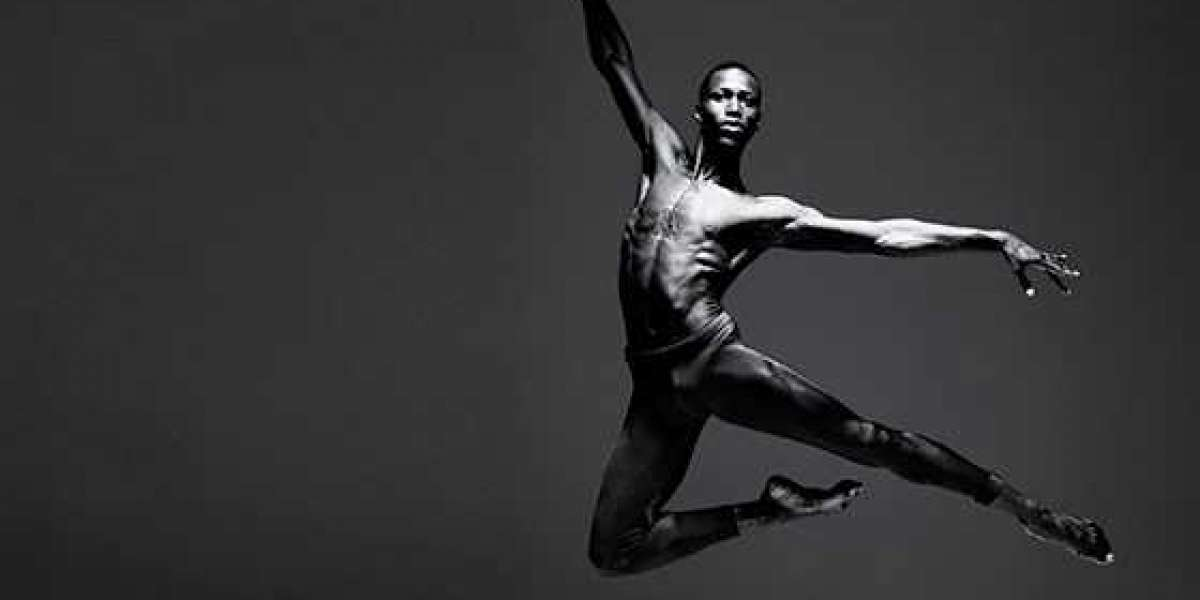 Calvin Royal III devient le premier danseur principal noir avec l'American Ballet Theatre